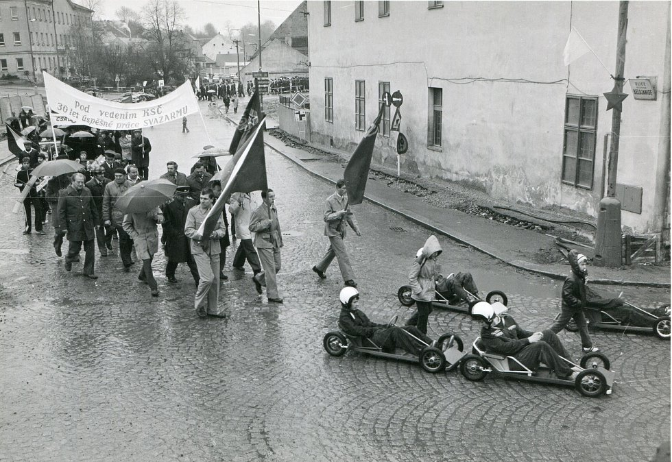 1. máj 1982 Týn nad Vltavou - zástupci místního Svazarmu
