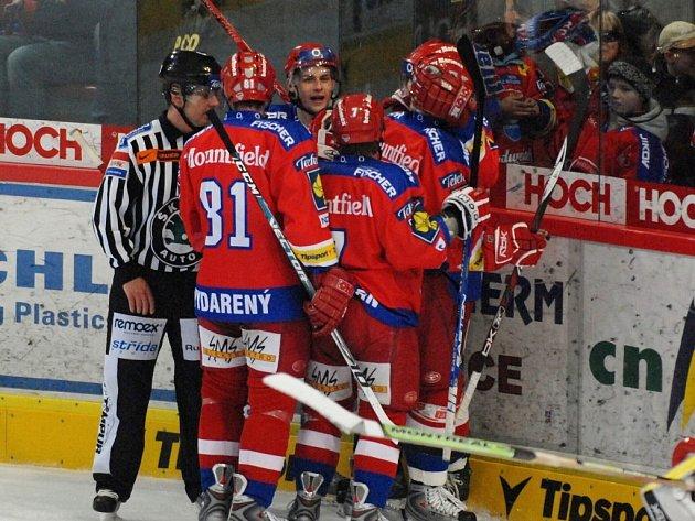 V základní části extraligy si hokejisté HC Mountfield užili radosti do sytosti. Snad jim důvod k úsměvu vydrží i v blížícím se play off, které začíná za týden.