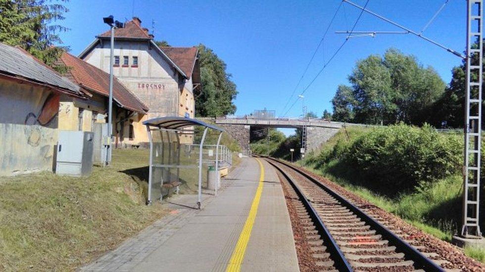 Současný most u nádraží Trocnov.
