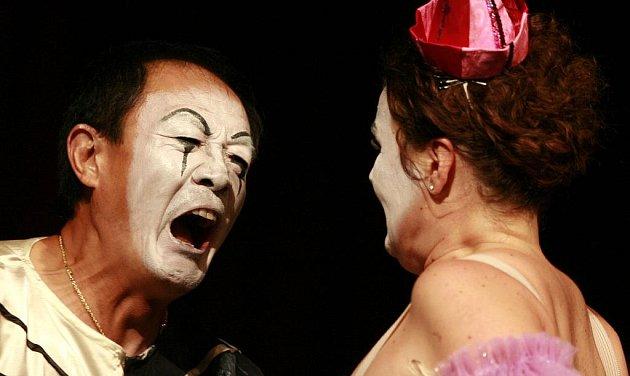 Opera Komedianti Ruggiera Leoncavalla v divadelním sále DK Metrorpol Ruggiero Leoncavallo ve zpracování rezišéra Jihočeského divadla Josefa Průdka.