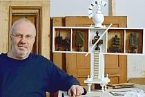 Mistr restaurátorského řemesla, Petr Johanus (58), bilancuje v Jihočeském muzeu. Výstava trvá do 8. listopadu.