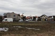 Strážkovicemi projedou denně tisíce aut. Obchvat by byl pro místní spásou.