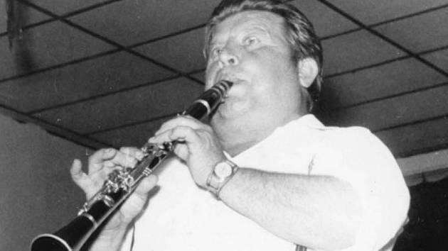 Zemřel Josef Vácha, klarinetista dechovky Vlachovka. Bylo mu 83 let.