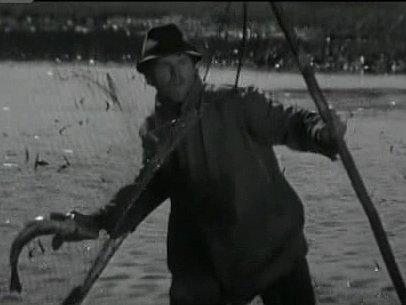 Třeboňský básník a spisovatel Miroslav Hule si ve filmu zahrál pytláka.