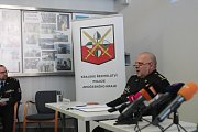 Mimořádná tisková konference k dvojnásobné vraždě v Horusicích na Táborsku. Na snímku ředitel krajského ředitelství policie Jihočeského kraje Luděk Procházka.