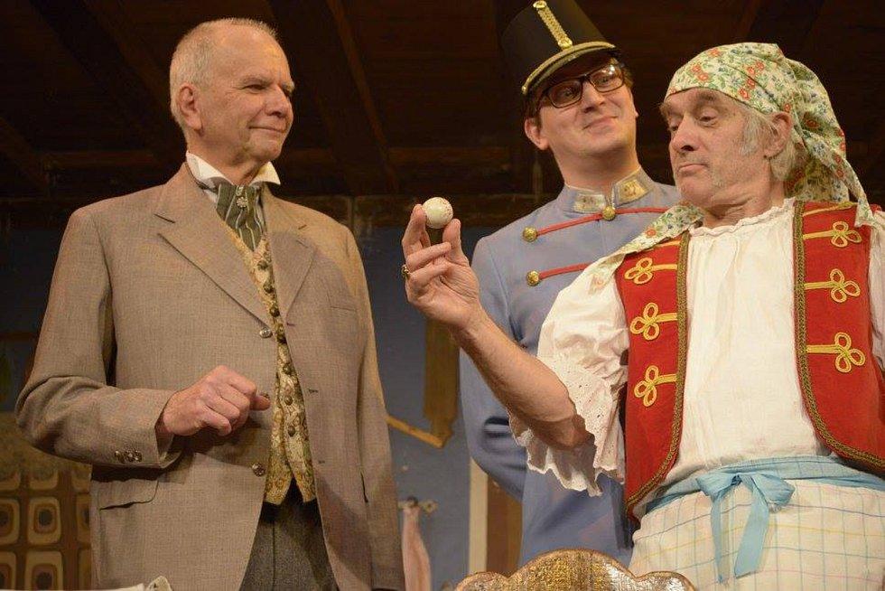 Hru Záskok přiveze do Českých Budějovic v angličtině spolek Cimrman English Theater.