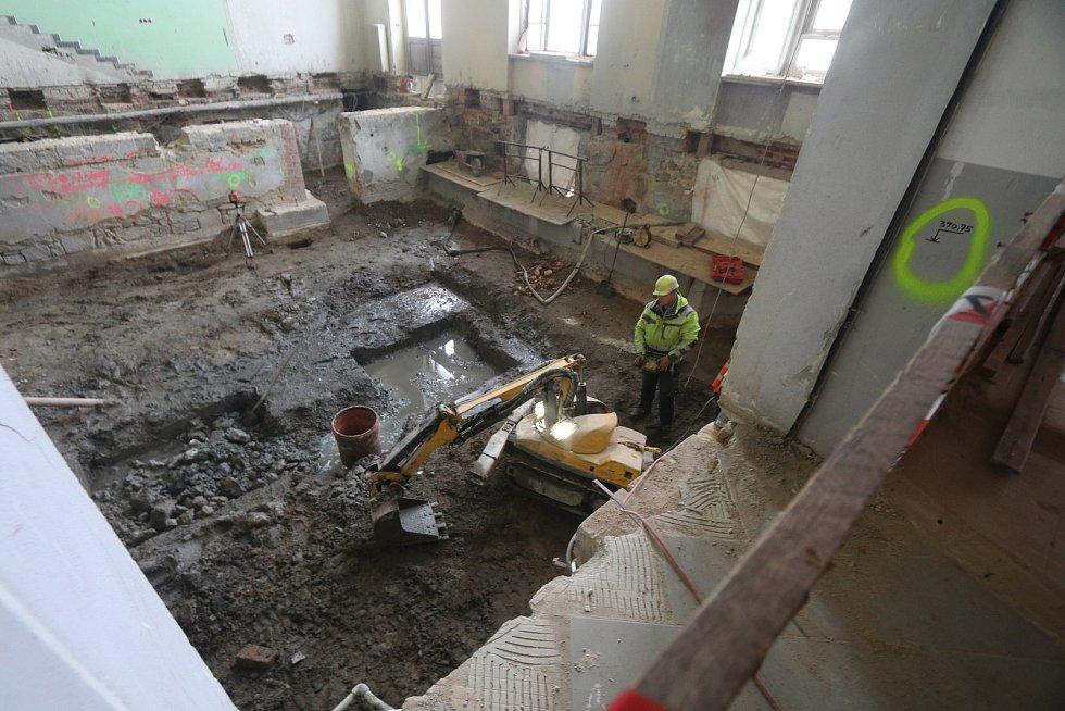 Rekonstrukce nádražní výpravní budovy v Českých Budějovicích.