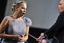 Příští ročník MHF ozdobí lotyšská pěvkyně Elina Garanča.