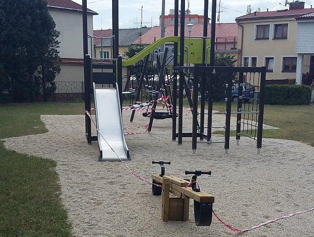 Nového hřiště si užijí děti v ulici U Cihelny v českobudějovické části Suché Vrbné.