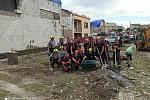 Od pátku 25. června jsou nasazeni profesionální hasiči Jihočeského kraje na Moravě. Během víkendu přešli ze záchranných na likvidační práce, střídají se po 48 hodinách.