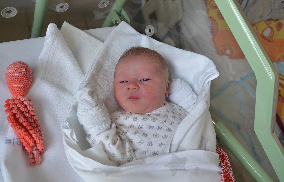 Ela Čadková ze Záboří u Protivína. Dcera Ivety a Lukáše Čadkových se narodila 20. 10. 2020 v 6.14 hodin. Při narození vážila 3700 g a měřila 51 cm. Doma sestřičku přivítala Ema (3).