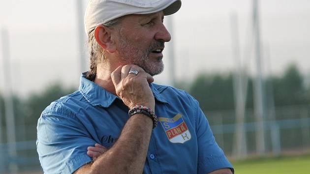 Trenér fotbalistů SK Planá Josef Cimburek.