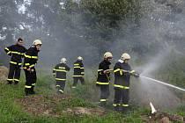 Dobrovolní hasiči z Plavu v akci. Ostré cvičení.  Foto: SDH Plav