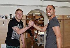Spolu se Zdeňkem Křížkem (vpravo) by měl o post v brance Dynama po návratu z hostování v Třebíči usilovat i Jindřich Staněk.
