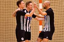 Futsalisté Dynama na úvod sezony těsně prohráli v hale favorita celé soutěže Chrudimi 1:2.
