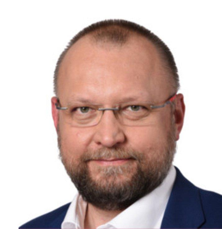 Ing. Jan Bartošek (KDU-ČSL + TOP 09).