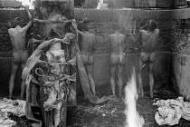Národní muzeum fotografie v Jindřichově Hradci slaví 10 let a otevřelo 10 výstav, které potrvají do 30. září. Snímek z cyklu Práce s tělem, Jaroslav Prokop.