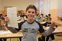 Pololetní vysvědčení dostali včera také žáci z budějovické ZŠ Nová.