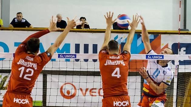 Volejbalisté Jihostroje České Budějovice prohráli v Ostravě 0:3.