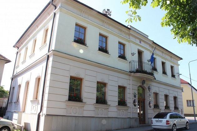 Bývalá škola (dnes obecní úřad) vKovářově, kam ve 20.letech chodil Josef Gabčík.