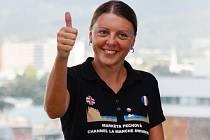 PRVNÍ handicapovaná žena, která přeplavala La Manche, se jmenuje Markéta Pechová.