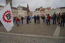 Dělnická strana příliš lidí na náměstí Přamysla Otakara II. nepřílakala