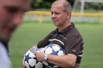Šéf fotbalistů Lokomotivy Č. Budějovice v derniéře se Čtyřmi Dvory určitě nečekal porážku svých fotbalistů. Tím spíš, že Suchovrbenští hráli doma.
