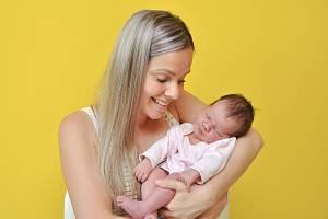 Zuzana Krbečková z Vimperka. Zuzka se narodila 19. 6. 2020 ve 23.22 hodin a její porodní váha byla 3 900 g. Holčička je prvorozená.