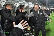 Trenér David Horejš své svěřence do ligových zápasů nějakou dobu nepovede, liga v Česku byla po vládním opatření přerušena.