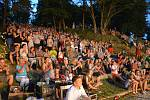 Hudební umělci Smyčcového orchestru Český Krumlov zahráli v Týne nad Vltavou světové skladby.