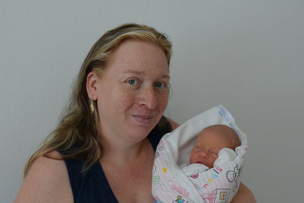 Daniel Dvořák z Ratají. Syn Blanky a Milana Dvořákových se narodil 7. 7. 2021 v 8.29 hodin. Při narození vážil 3150 g a měřil 50 cm. Doma se na brášku těšila Dominika (3).