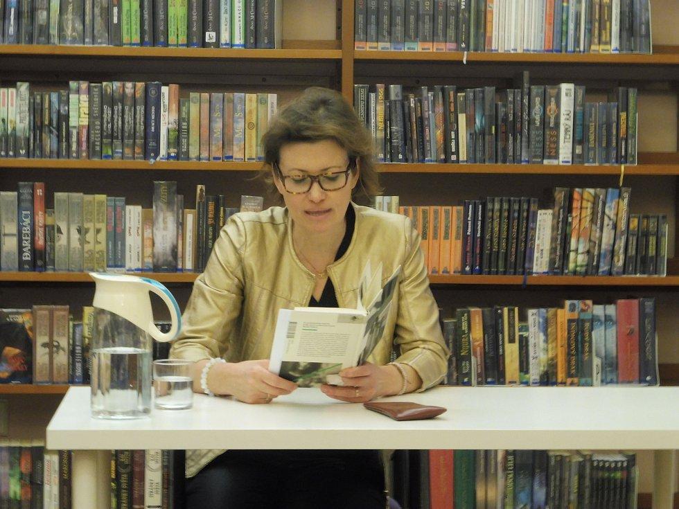 Autorka Bianca Bellová přijela do Českých Budějovic.