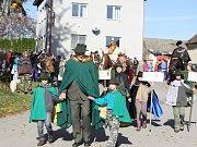 Povoz s čerstvými úlovky, průvod se svatým Hubertem, desítky mužů v zelených kamizolách a také početní diváci, tak vypadala v sobotu myslivecká slavnost v Chrášťanech.