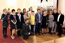 Poděkování dobrovolníkům organizace ADRA v obřadní síni českobudějovické radnice.