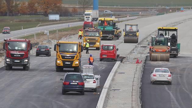 Stavba dálnice D3 v úseku Bošilec - Ševětín.