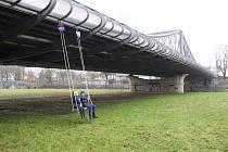 Budějovičtí si připomněli 20. narozeniny Dlouhého mostu.