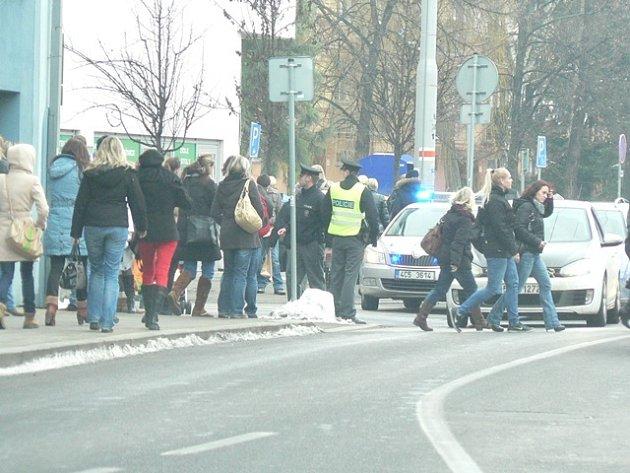 Evakuace IGY centra 31. ledna.