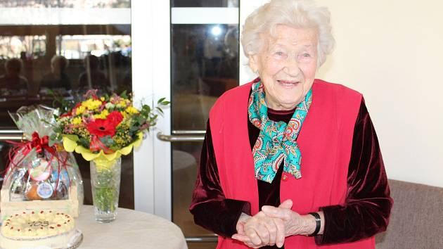 Blažena Strachotová oslavila v neděli 9. února 103. narozeniny.