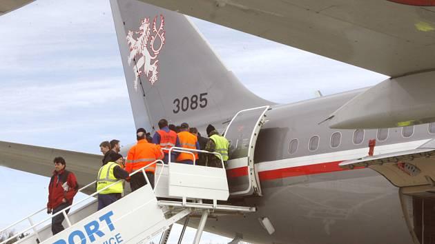 Policisté a hasiči budou zajišťovat bezpečnost účastníků setkání už na letišti v Plané.