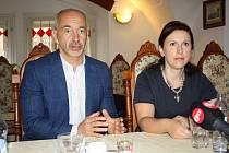 Město České Budějovice a kraj chce nejlepší učitele, říkají Martin Kuba a  Dagmar Škodová.