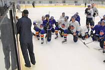 Hokejisté ČEZ Motoru zahíjili pod vedením trenéra Václava Prospala přípravu na ledě.
