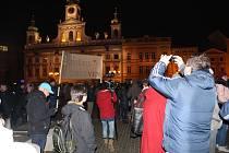 Kolem šesti stovek Budějčáků veřejně projevilo nesouhlas se zvolením Zdeňka Ondráčka do čela komise pro kontrolu Generální inspekce bezpečnostních sborů.