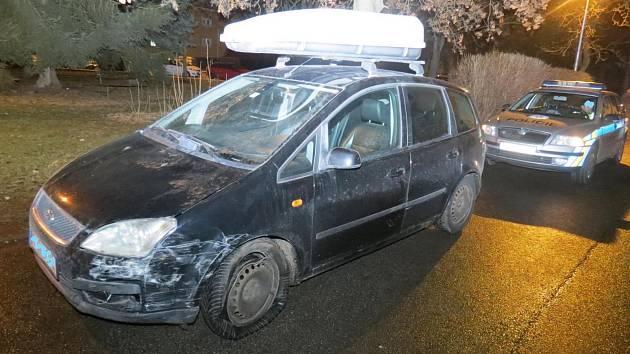 Opilý řidič v Budějovicích dvakrát boural.
