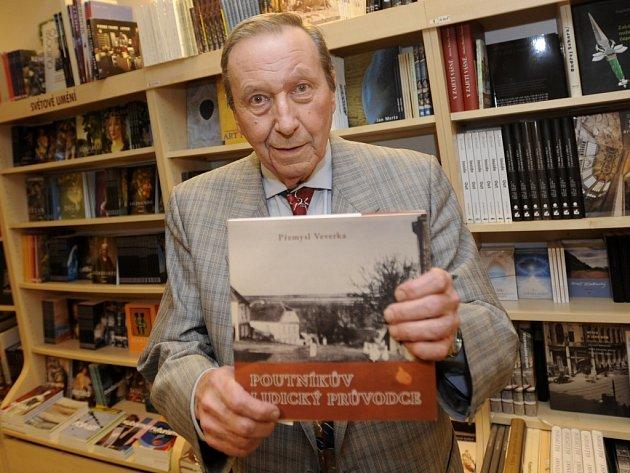 Spisovatel Přemysl Veverka.
