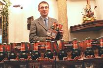 Ve středu představil českobudějovický pivovar Budvar nové jedenáctistupňové pivo Pardál Echt. Na snímku Aleš Dvořák, výrobní technolog, který připravil nové pivo.