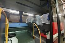 Evakuační autobus hasičů z Českých Budějovic vyrazil do Německa.