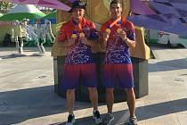 JIHOČEŠTÍ HASIČI Michal Brousil a David Kubiš byli v Jižní Koreji úspěšní.