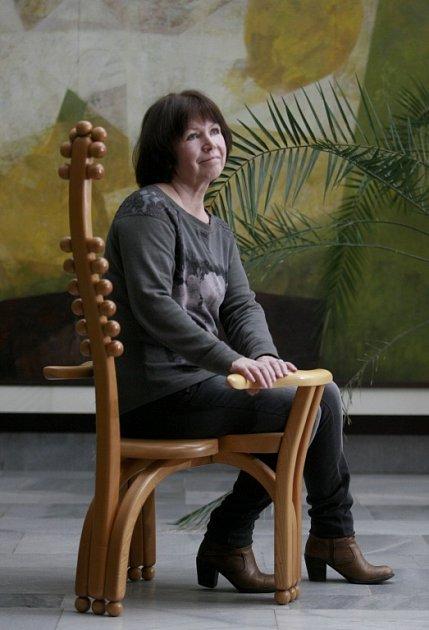 Lída Šimonová (Pouzarová) zpívala vletech 1973 - 1976se skupinou Minnesengři.