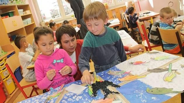 Výstava pomůže dětem z Mateřské, Základní a Praktické školy Štítného 3.