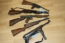 Více než šest set nelegálně držených zbraní odevzdali obyvatelé kraje v rámci policejní amnestie.